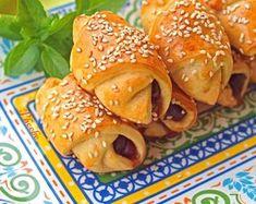 Νόστιμα #ελιοπιτάκια για όλες τις ώρες της ημέρας! #nostimiesgiaolous Bakery Recipes, Bagel, Recipies, Appetizers, Sweets, Bread, Snacks, Chicken, Ethnic Recipes