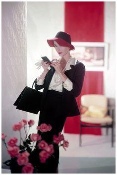 Photographer: Horst P. Horst (1957)