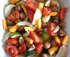 Estes foram os legumes e as batatas que acompanharam o peixe da receita anterior. Fáceis de preparar e óptimos para aproveitar o forno que e...
