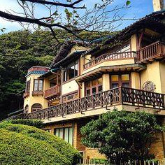 戦後はデンマーク公使や総理大臣の別荘として使われましたが、前田家から鎌倉市へ寄贈され、1985年より文学館となりました。