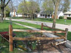 there it is! - split rail corner fence Driveway Fence, Driveway Landscaping, Front Yard Fence, Backyard Fences, Garden Fencing, Fenced In Yard, Landscaping Ideas, Corner Landscaping, Driveway Ideas