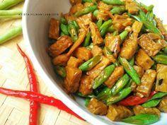 Tumis Buncis Tempe Kecap Diet Recipes, Vegetarian Recipes, Cooking Recipes, Healthy Recipes, Cooking Ideas, Yummy Recipes, Healthy Food, Recipies, Indonesian Desserts