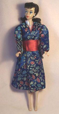 Vintage Barbie VVHTF HALINA'S DOLL FASHIONS CHICAGO ROYAL BLUE LOTUS KIMONO (03/09/2013)