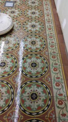 Hydraulic floor in Barcelona