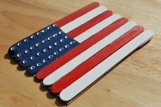 Patriotic Popsicle flag~   How cute and simple!