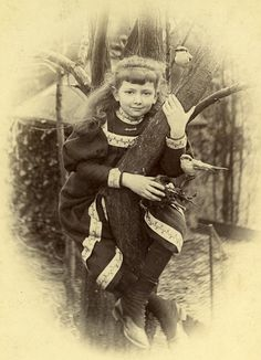 Taxidermy The Young Girl Birds & Nest Composition France Old Cabinet Photo 1890