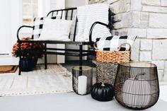 Fall outdoor decor, front porch decor, front porch, fall porch decor, Halloween decor, Halloween, fall decor, pumpkin decor, outdoor decor, black bench, buffalo check decor