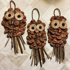 Make stunning pine cone crafts such as door hangers, wreaths, centerpieces, ornaments etc. to give your home a festive makeover.Eye-Popping Pine Cone Crafts to Doll Up the House for the FestivitiesCreative Owls Made with Pine Cone , Jute and Stick as Nature Crafts, Fall Crafts, Holiday Crafts, Arts And Crafts, Pinecone Owls, Pinecone Ornaments, Pinecone Decor, Pine Cone Art, Pine Cones