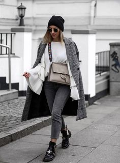 ENG: Today I would like to introduce an outfit, that is especially affected by one certain aspect: the wide…