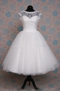 Retro 50s Tea Length Short Sleeve Tulle Lace Bridal Gown | JoJo's Shop