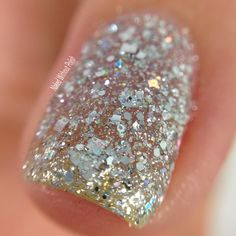 Macro of SuperChic Lacquer Crown Jewels of Enchantment without top coat @wonderbeautypro
