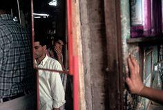 Alex Webb TURKEY. Sanliurfa. 1998. In the bazaar.
