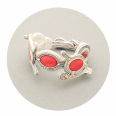 Unique bracelet soutache cuff bead embroidery coral por MANJApl, $75.00