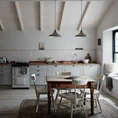 The Allendale from Howdens is an elegant Shaker style kitchen. Available in white, cashmere and dove grey. We Fit specialise in fitting Howdens kitchens. Shaker Style Kitchens, Shaker Kitchen, Rustic Kitchen, New Kitchen, Home Kitchens, Kitchen Decor, Fitted Kitchens, Kitchen Ideas, Nordic Kitchen