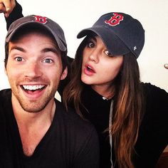 Ezra & Aria ❤️ love that they're wearing Red Sox hats.
