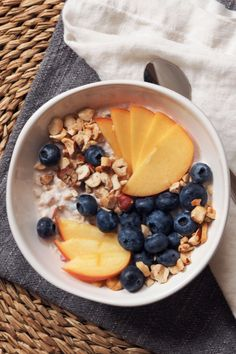 Cool off on hot days with a healthy bowl of muesli. Easy to make at home, this breakfast is full of fiber and protein and can be taken on the go!