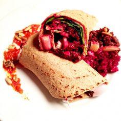 wraps med rødbete, geitost og rød ris