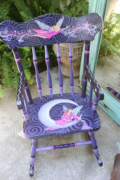 Hand Painted Rocking Chair minus the fairies Painted Rocking Chairs, Hand Painted Chairs, Whimsical Painted Furniture, Painted Stools, Hand Painted Rocks, Hand Painted Furniture, Art Furniture, Funky Furniture, Recycled Furniture