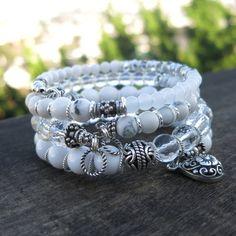 Dimensions : Bracelet 1 : environ 2 boucles ; les perles sont 4-8mm ; Le charme de Bali SS est 9x15mm Bracelet 2 : environ 1 3/4 boucles ; les perles sont de 4 à 6mm ; Boucles de fil torsadé SS sont de 8mm ** Bracelets fil mémoire sont souples et s'adapter à tous les poignets. Sur