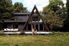 Black is the new Black : Sarah Sherman Samuel:Black is the new Black A Frame House Plans, A Frame Cabin, A Frame Homes, Tiny House Cabin, Cabin Homes, Tiny House Design, Triangle House, Forest House, Cabins In The Woods
