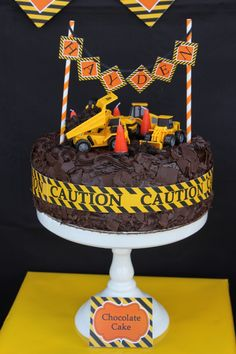 Construction zone birthday party cake