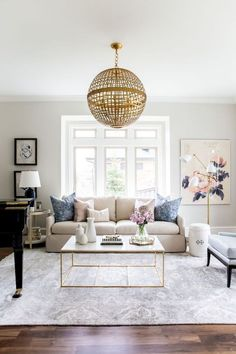 Inspiring coastal living room decor ideas (39)