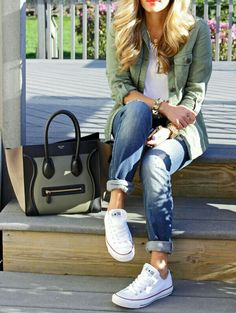 Boyfriend jeans and white chucks. @Geneline Sajol what do you think about these shoes with them?