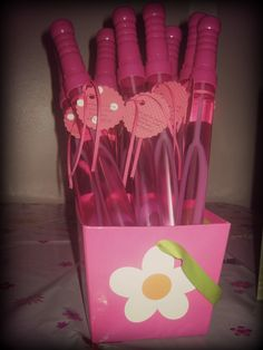 Pinkalicious {bubbles for a party favor}