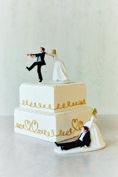 クレイアートのケーキに お好きなケーキトッパーをプラスして WeddingFactory http://www.weddingpartyfactory.com/