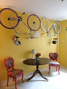 Hook your bike! If your passionate cyclist but you have not much space in the room you can find this idea useful / Zaczep swój rower! Jeśli jesteś zapalonym rowerzystom ale masz małe mieszkanie możesz użyć haków do zawieszania roweru