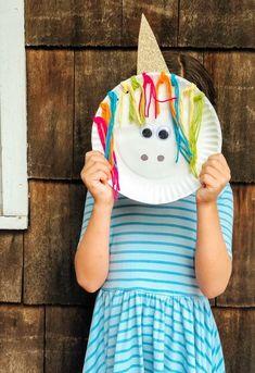 Easy Unicorn craft idea! Fun Activity for a Unicorn Birthday Party: Unicorn Paper Plate Craft