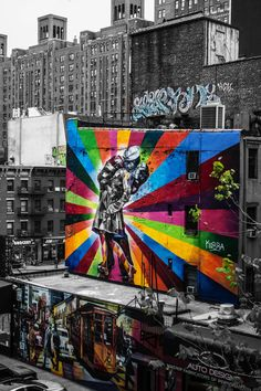 A trip to New York City can set visitors back a small fortune. Fortunately, there are easy ways to see NYC's top sights without spending a cent. New York Street, New York City, Highline Nyc, Summer In Nyc, New York Travel Guide, Travel Tips, Road Trip, Empire State Of Mind, Best Street Art