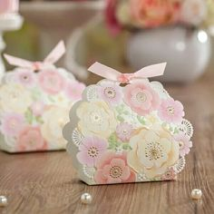 Wedding Favors Lace Cut Beautiful Flower Candy Box With Gilding Party Gift Box Wholesale