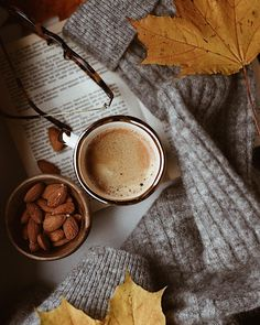 Image about aesthetic in Autumn, Fall Vibes 🍁🍂 by fool😢 Coffee And Books, Coffee Love, Coffee Break, Cozy Coffee, Coffee Photography, Autumn Photography, Photography Music, Momento Cafe, Autumn Aesthetic