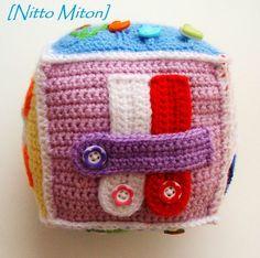 Развивающие кубики - запись пользователя Nitto_Miton (вяжу на заказ игрушки и слингобусы) (Nitto_Miton) в сообществе Рукоделие - Babyblog.ru Crochet For Kids, Cute Crochet, Knit Crochet, Crochet Books, Crochet Gifts, Häkelanleitung Baby, Baby Toys, Activity Cube, Fidget Quilt