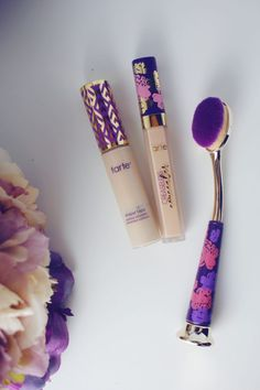 Comparing Tarte Creaseless Concealer with Tarte Shape Tape Concealer Diy Beauty Secrets, Beauty Kit, Beauty Shop, Beauty Hacks, Turquoise Highlights, Dimensional Hair Color, Homemade Dry Shampoo, Honey Blonde Hair Color, Subtle Ombre