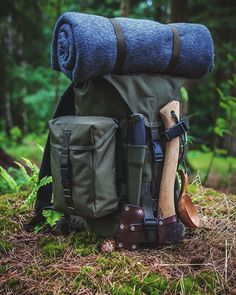 15 Items for your ultimate bug out bag list - Lightweight and Multifunctional - Christopher Schindler - Buscraft Camping Bushcraft Camping, Camping And Hiking, Camping Survival, Camping Life, Camping Gear, Backpacking, Backpack Camping, Wilderness Survival, Survival Tools