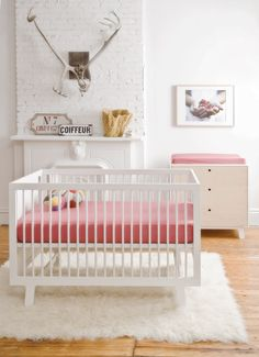 Sparrow Crib by Oeuf, love the rug and crib for the next bambino!