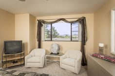 Views of the McDowell Mountains re visible from the Master Bedroom. Open floor plan, lovingly cared for, immaculate and ready to move in. The community pool is just steps away.