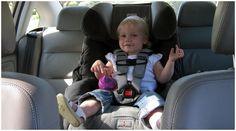 В список самых необходимых предметов для крохи вошло и автокресло. Мамочка за рулем, а малыш на заднем сиденье в автокресле - картина распространенная.