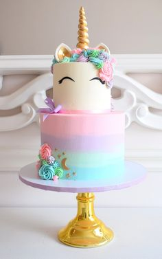 Undefined baby bea s bakeshop check out pictures of the best desserts pastries and cakes carlo s bakery Unicorn Themed Birthday Party, Unicorn Birthday Cakes, Unicorn Party, Cake Birthday, 7th Birthday, Birthday Ideas, Kreative Desserts, Cookie Party Favors, Beautiful Birthday Cakes