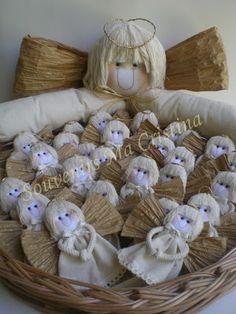 souvenir bautismo - Buscar con Google Christmas Angels, Christmas Crafts, Christmas Decorations, Christmas Ornaments, Diy And Crafts, Arts And Crafts, Angel Crafts, Ideas Para Fiestas, Rustic Design