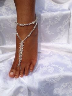 Bridal Jewelry Foot Jewelry Anklet Beach by SubtleExpressions Anklet Jewelry, Anklets, Wedding Jewelry, Feet Jewelry, Hand Jewelry, Jewellery, Barefoot Sandals Wedding, Wedding Shoes, Boho Beach Wedding