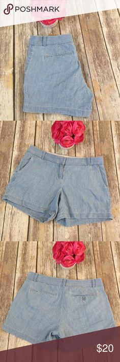 """J Crew Chambray Denim Shorts J Crew size 6 Chambray shorts. 4"""" inseam. Excellent condition with no flaws. ⚓ No trades or holds. I accept reasonable offers. I negotiate only through the offer button. 🐩🚭 J. Crew Shorts Jean Shorts"""