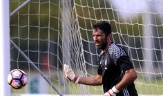 "Buffon: ""Grazie Juve!"" http://gianluigibuffon.forumo.de/post76762.html#p76762"