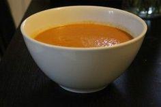 une découverte incroyable ! avec une simple boîte de thon, on obtient une soupe de poissons vraiment extra avec une texture veloutée impeccable , franchement j'ai été super bluffée la première fois ! essayez, vous m'en direz des nouvelles! soupe de poissons...