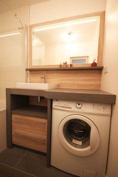 Un lave linge dans une petite salle de bain - Atlantic Bain
