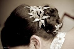 Loved the beautiful flower accessory