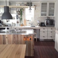 タイル、ブリックタイル、カウンター Decor, Interior, House, Kitchen, Kitchen Island, Home Decor, My House