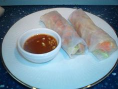 Quick Thai Style Spring Rolls Make a Great Last Minute Dinner Idea: Spring rolls with basic dipping sauce
